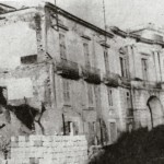 Distruzione a pochi metri da Porta Arpana