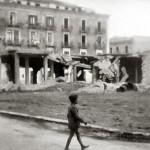 Distruzione e macerie dopo i bombardamenti