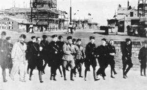 """Mussolini visita il Borgo rurale """"La Serpe"""""""