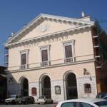 P.zza Cesare Battisti – Teatro U. Giordano