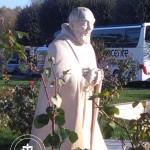Statua nel cortile del Santuario dell'Icoronata