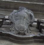 Piazza Purgatorio, 5 – Pal. Nicastro Stemma in pietra privo di fregi