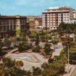 L'edificio e la piazza negli anni 70