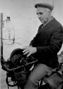 1945 - La pietra per arrotare era collegata ai pedali della bicicletta
