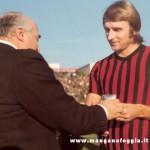 Serie A (1970/71)  Il sindaco Graziani premia Pirazzini