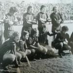 Serie A 1973/74 In piedi: Pirazzini, Colla, Bruschini, Liguori, Trentini  accosciati: Del Neri, Pavone, Valente, Rognoni, Luigi Villa, Silvano Villa