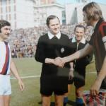 Serie A 1973/74 - Pirazzini e Bulgarelli del Bologna e l'arbitro Gussoni
