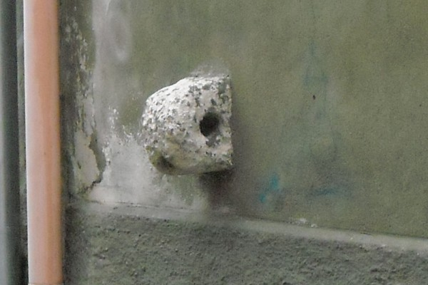 Attacco per equini in pietra nei Quartieri Ottocenteschi