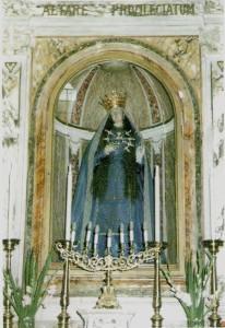 Statua dell'Addolorata presente nella Chiesa di San Giovanni Battista