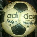Il pallone con il quale venne conquistata la serie A (foto di Maurizio Memo)