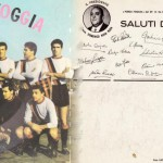 Disco di cartone che riproduceva il primo inno del Foggia. Il retro era una cartolina con la foto di Rosa Rosa e gli autografi dei calciatori