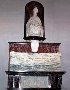 La tomba monumentale del Monsignor Farina nella Cattedrale
