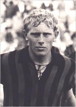 Luciano Re Cecconi con la maglia del Foggia