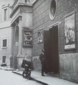 Sala Monsignor Farina in via campanile . 1962