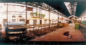 Questa del maggio del 2000 è una delle ultime immagini del mercato coperto