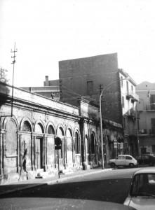 In questa foto degli anni 70 si notano i Bagni Vaccarella in via Trieste