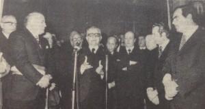 Il presidente Leone che pronuncia il suo discorso a Palazzo di città