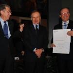 Franco Ordine riceve il premio Ussi alla presenza di Gianni Petrucci