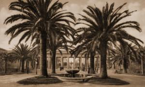 Fontana delle quattro palme all'interno della Villa comunale distrutta dai bombardamenti