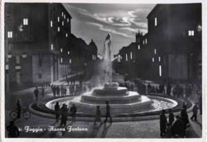 La fontana della stazione in una vecchia cartolina