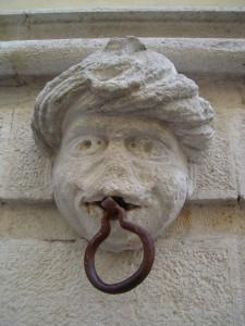 Mascherone del palazzo De Nisi