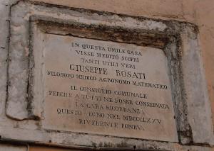 Targa posta dinanzi alla casa natale di Giuseppe Rosati