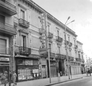 """Una volta, fino agli anni 70, esisteva il Palazzo Scillitani dove c'era il negozio """"Sala"""""""