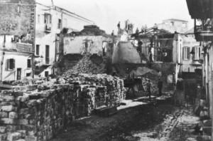 Nel 1936, fu abbattuto tutto per costruire Via dell'Impero, l'attuale via Dante